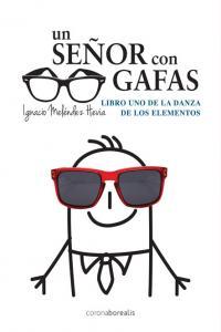 Un señor con gafas