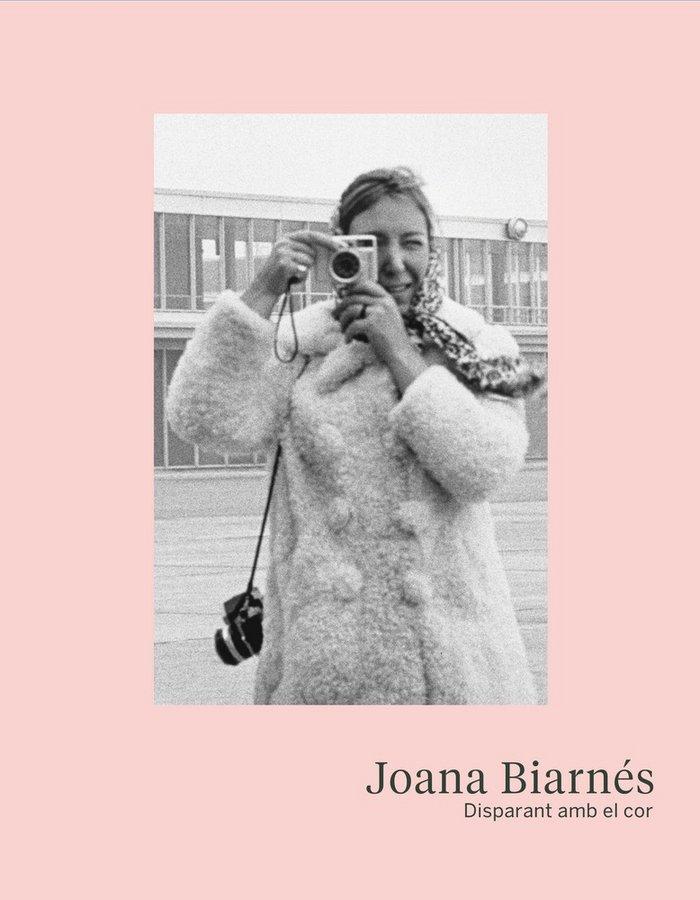 Joana biarnes disparant amb el cor