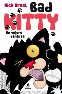 Bad kitty no quiere bañarse