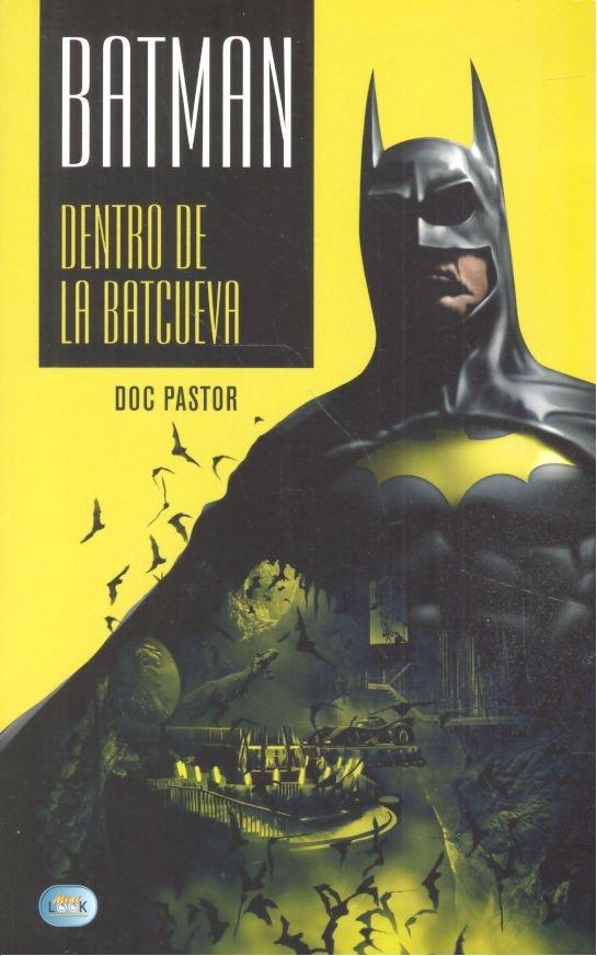 Batman dentro de la batcueva