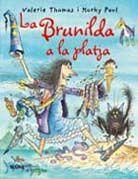 Bruixa brunilda a la platja