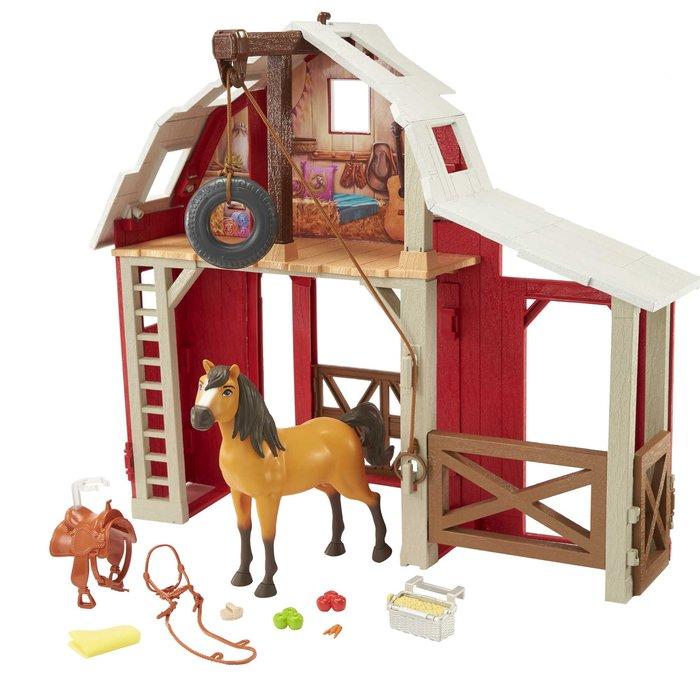 Spirit granero con caballo
