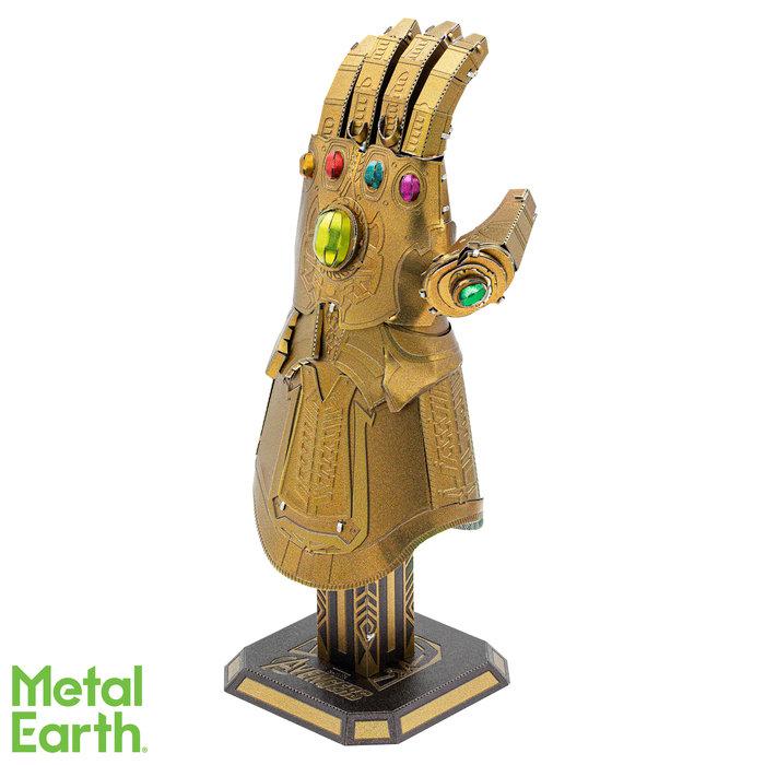 Maqueta metal marvel guantelete thanos