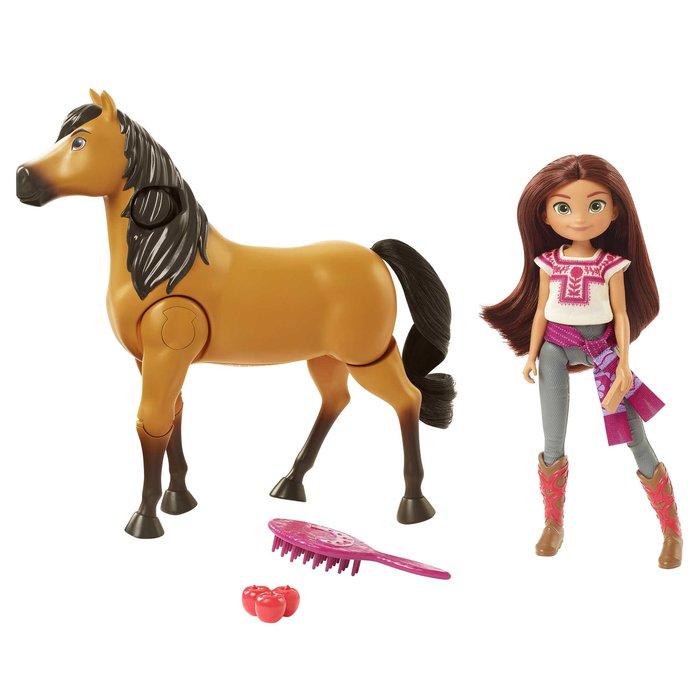 Spirit y lucky montamos a caballo