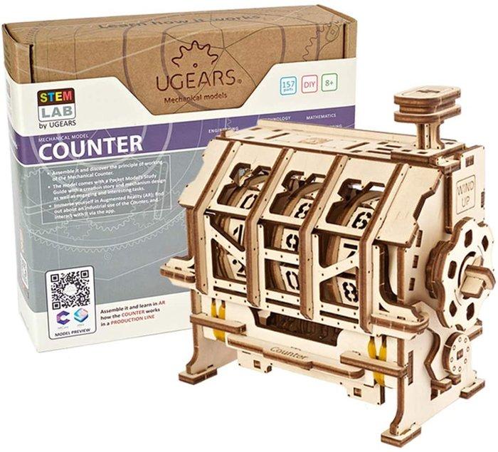 Maqueta model stem lab counter