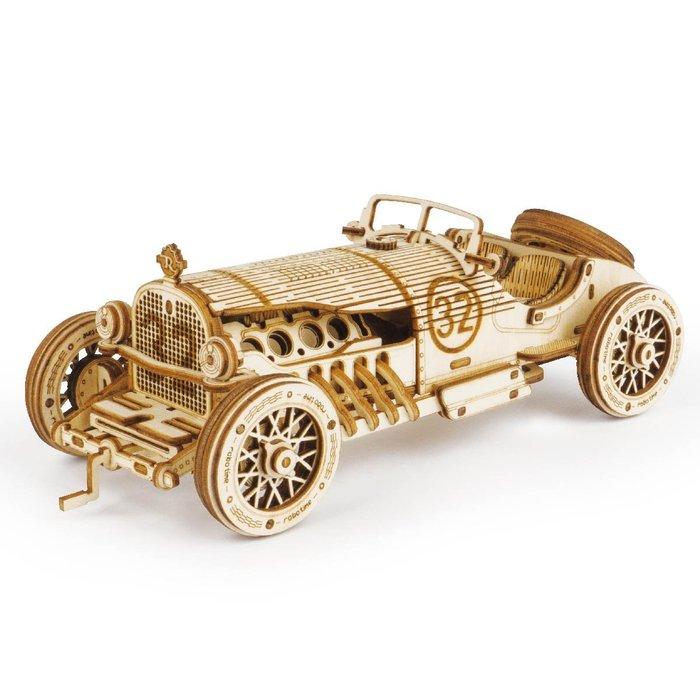 Maqueta escala coche grand prix v8