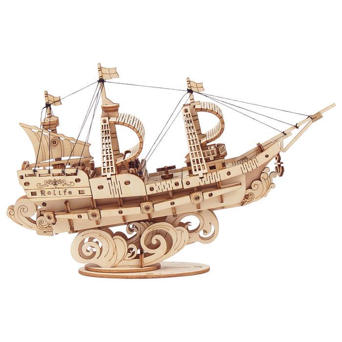 Maqueta barco navegando