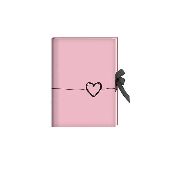 Diario cierre con cinta corazon rosa